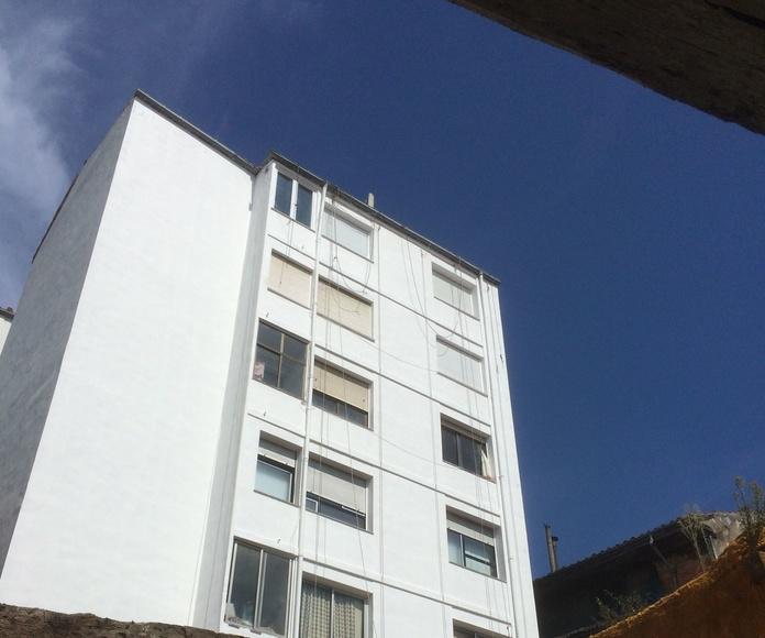 Reparación e impermeabilización de fachadas medianeras y patios interiores.