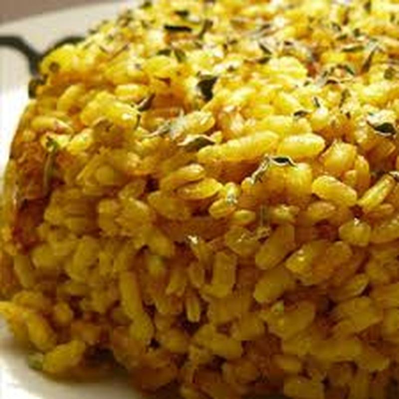 Arroz con pollo y salsa curry: Carta de El Jardín de Oriente