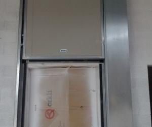 Puertas guillotinas cortafuegos tipo ventana contra incendios en Barcelona