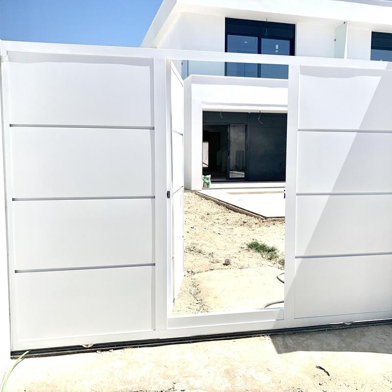 Automatismos: Nuestros servicios de Cerrajería Inox Las Salinas