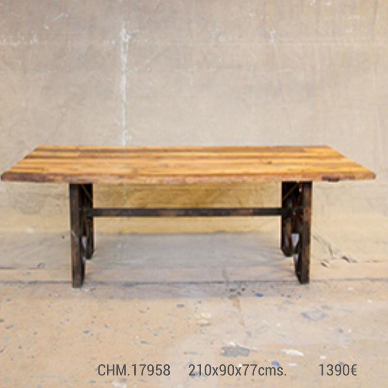 Mesa de comedor madera maciza y hierro industrial CHM-17958: Catálogo de Ste Odile Decoración