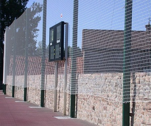 Venta e instalación de redes de nylon para pistas deportivas en Cantabria