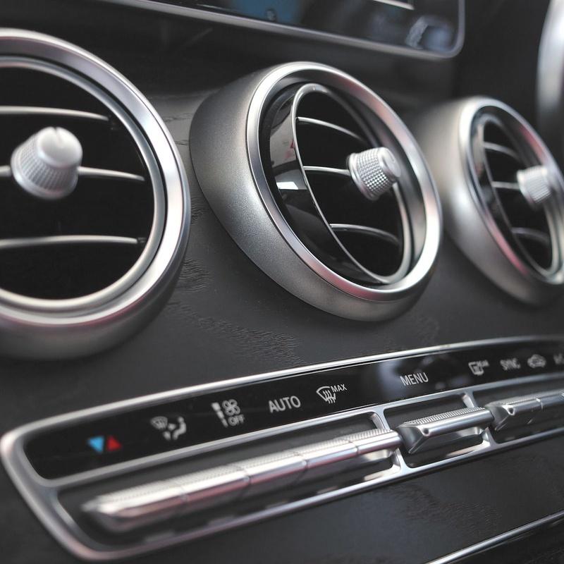 Revisión y mantenimiento de calidad en V.A.M. Autos