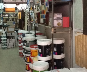 Almacén de pintura en Ciudad Lineal, Madrid - Anyra