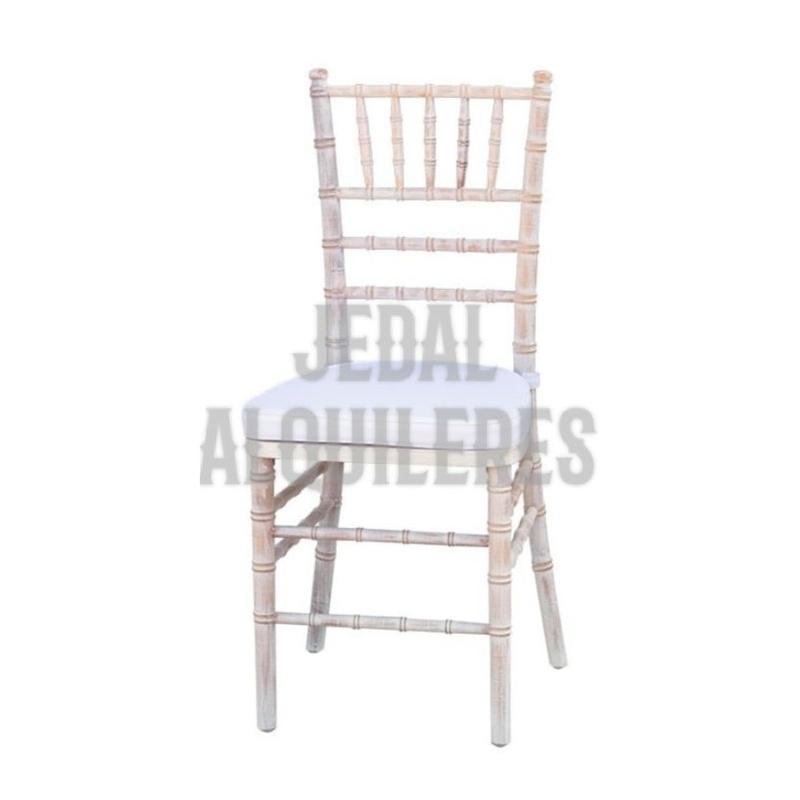 Silla de palillería madera decapada con cojín: Catálogo de Jedal Alquileres