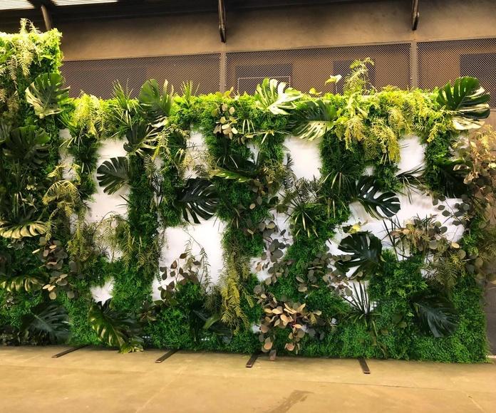 Jardín vertical con relieves naturales evento EDP