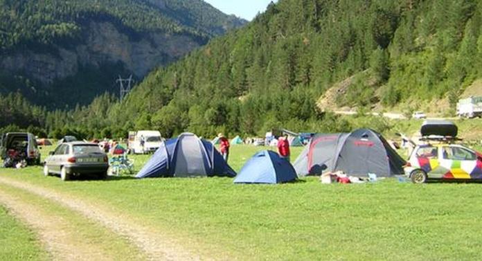 El camping: Servicios de Refugio de Bajaruelo