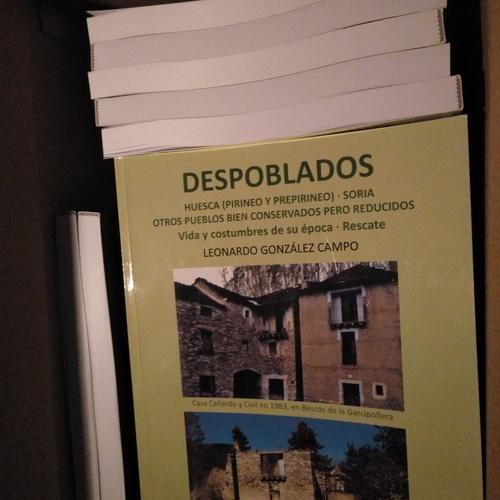 Edición de libros, impresión, diseño y maquetación