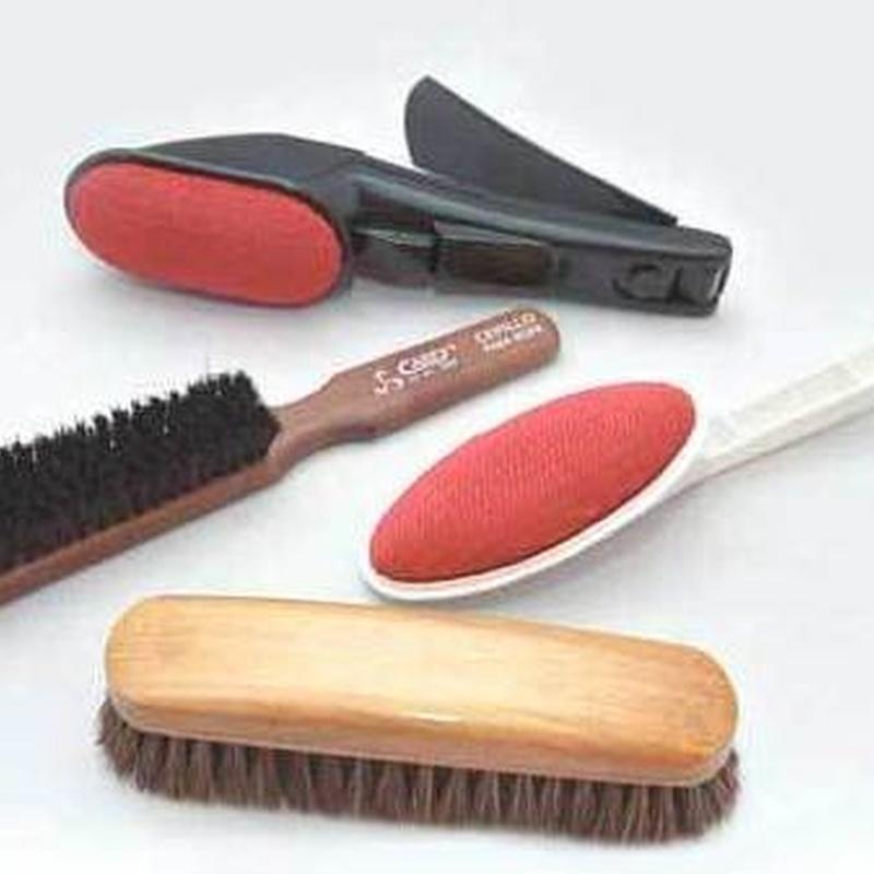 Cepillos para ropa y quitamanchas: Productos  de Casa Vila