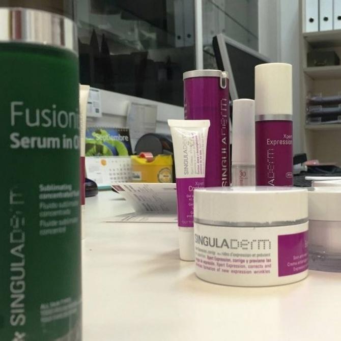Las ventajas de adquirir tus cosméticos en farmacias