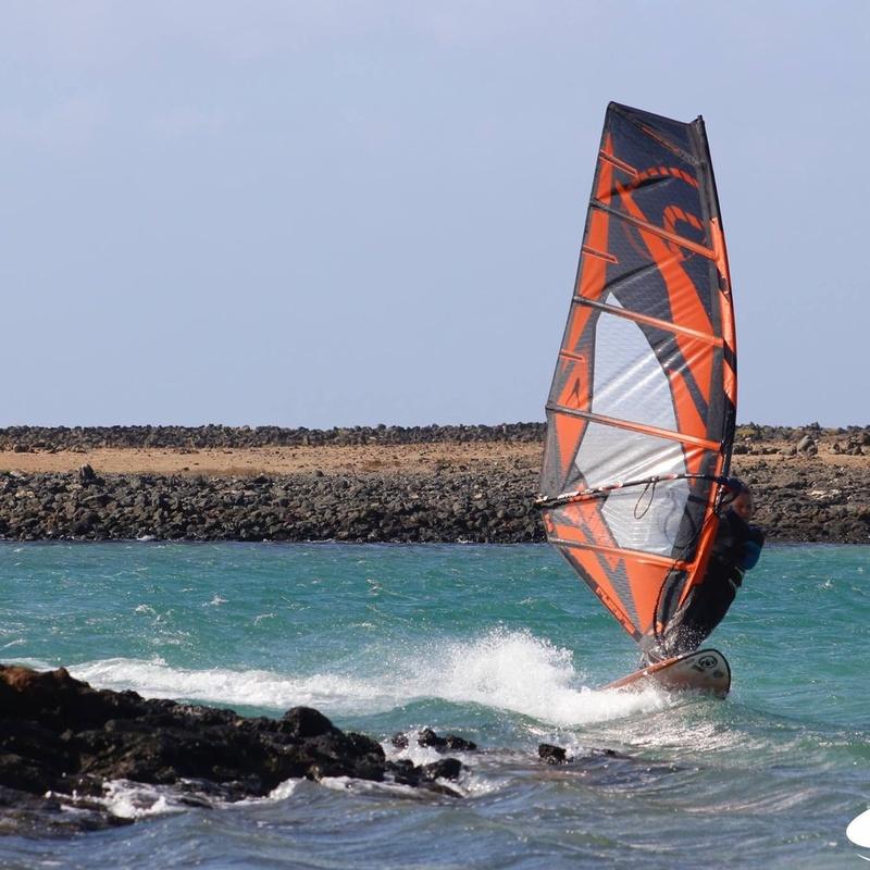 Cursos de windsurf: Servicios de Shock Wave Surf School