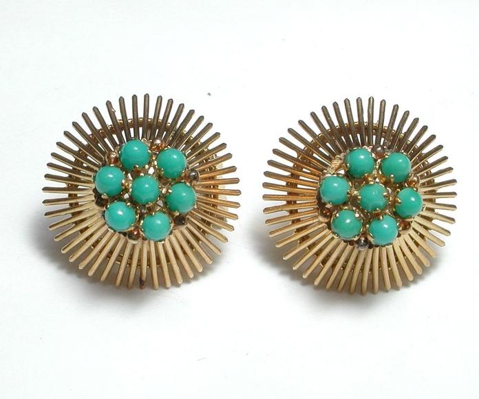 Pendientes de oro de 18k con turquesa. Circa: 1960-1970.: Catálogo de Antigua Joyeros