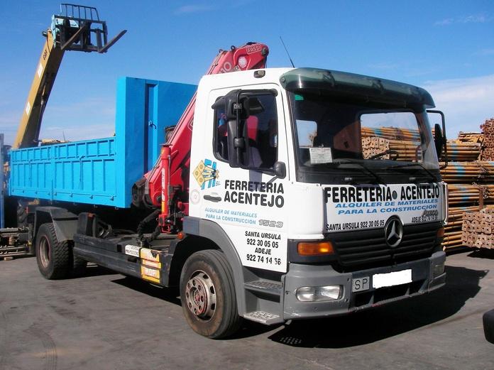 Camión cesta: PRODUCTOS PARA ALQUILAR de Ferretería Acentejo, S.L.