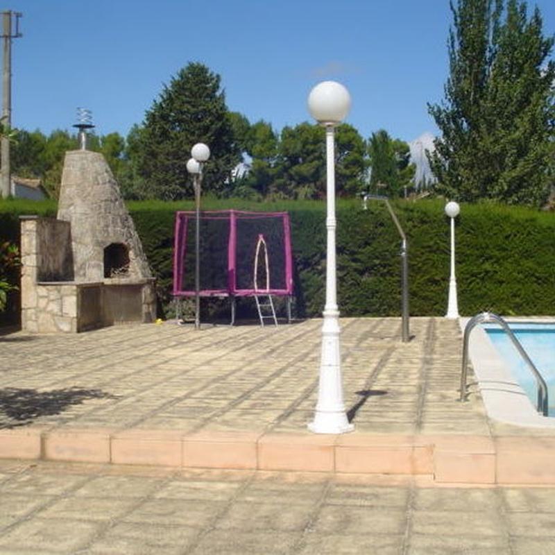 Las Lomas de Gallego, chalet individual dividido en dos viviendas: Inmuebles de Fincas Goya