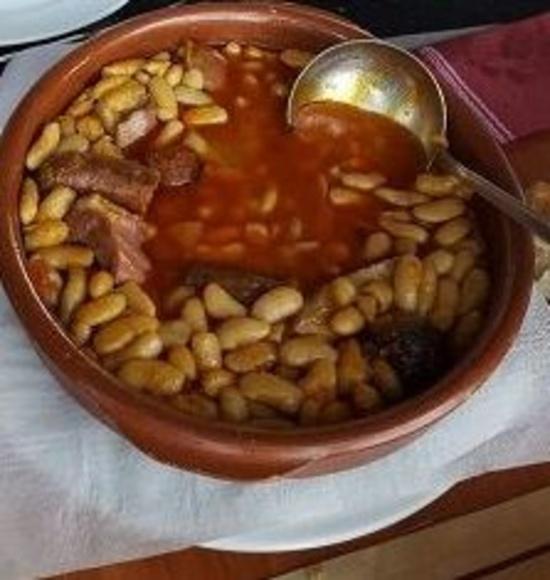 Fabada: Servicios de Cafetería Restaurante El Asturiano