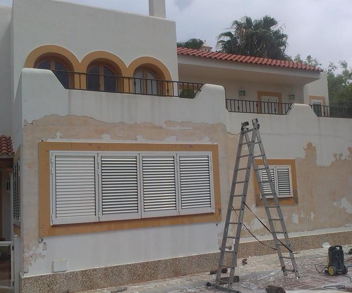Limpieza de fachada con sistema de agua a presión