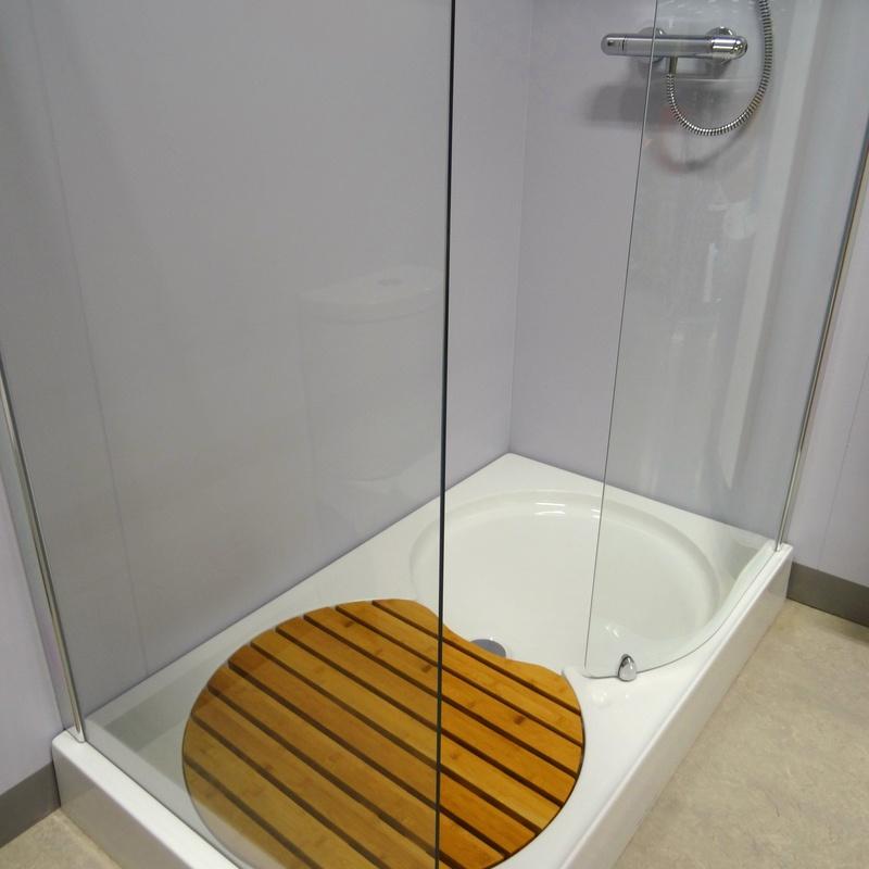 Platos de ducha: Servicios de Rincón Pascual Materiales de Construcción