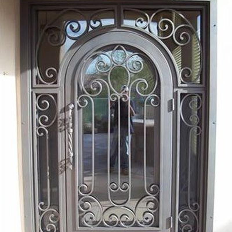 Puertas de hierro: Nuestros servicios de Pascual y Galar