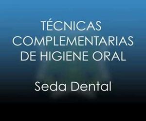 Uso de la seda dental y del cepillo interproximal