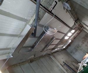 Fabricación e instalación de conductos de chapa y fibra para sistemas de ventilación y extracción de humos