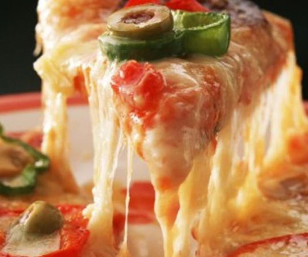 La mozzarella, el queso esencial de las pizzas