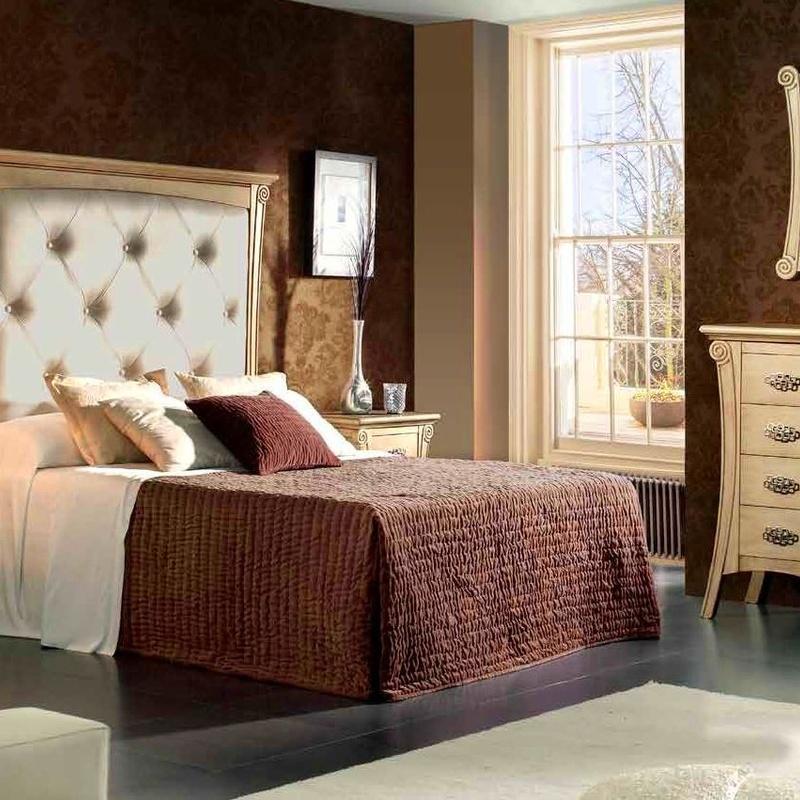 Dormitorios Clásicos: Productos de Muebles Díaz