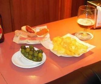 Buen ambiente: Servicios de Akhes Bar de Copas y Coktelería desde 1988