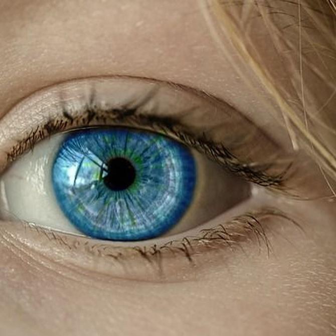 ¿Cómo puedes mejorar tu contorno de ojos?