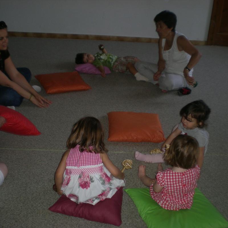classe de música nadons d'1 a 3 anys