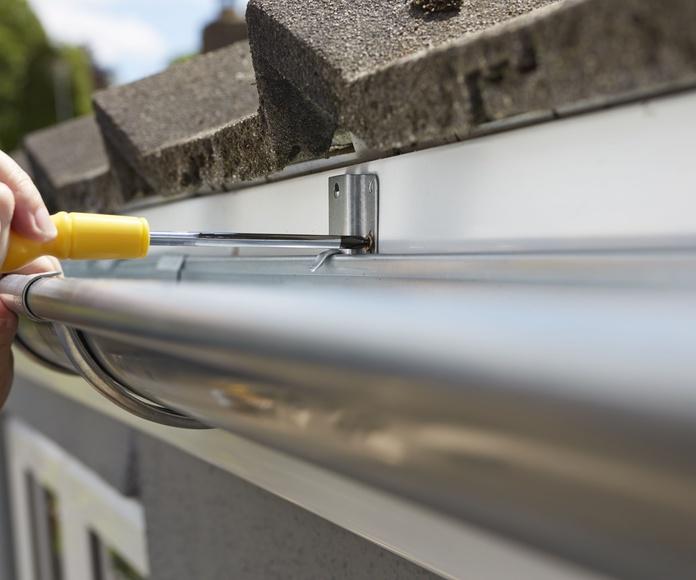 Instalación y reparación de canalones: Servicios de Tejados Fernández