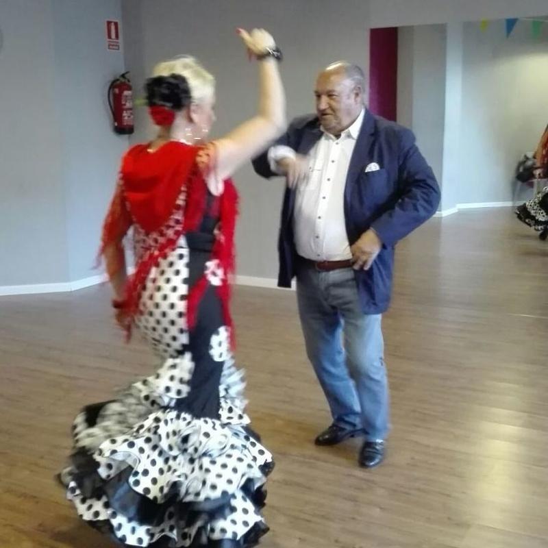 Sevillanas: Servicios de CAB - Baile