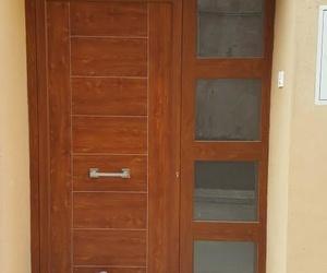 Puerta fabricada por Alucaspe