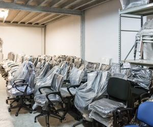 Mobiliario procedente de exposición y excedentes de fabricación en Ofimob