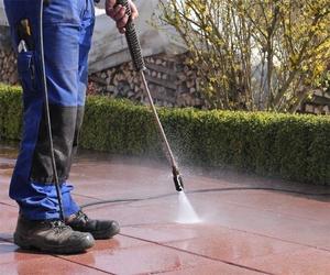 Trabajos de limpieza de exteriores en El Bierzo
