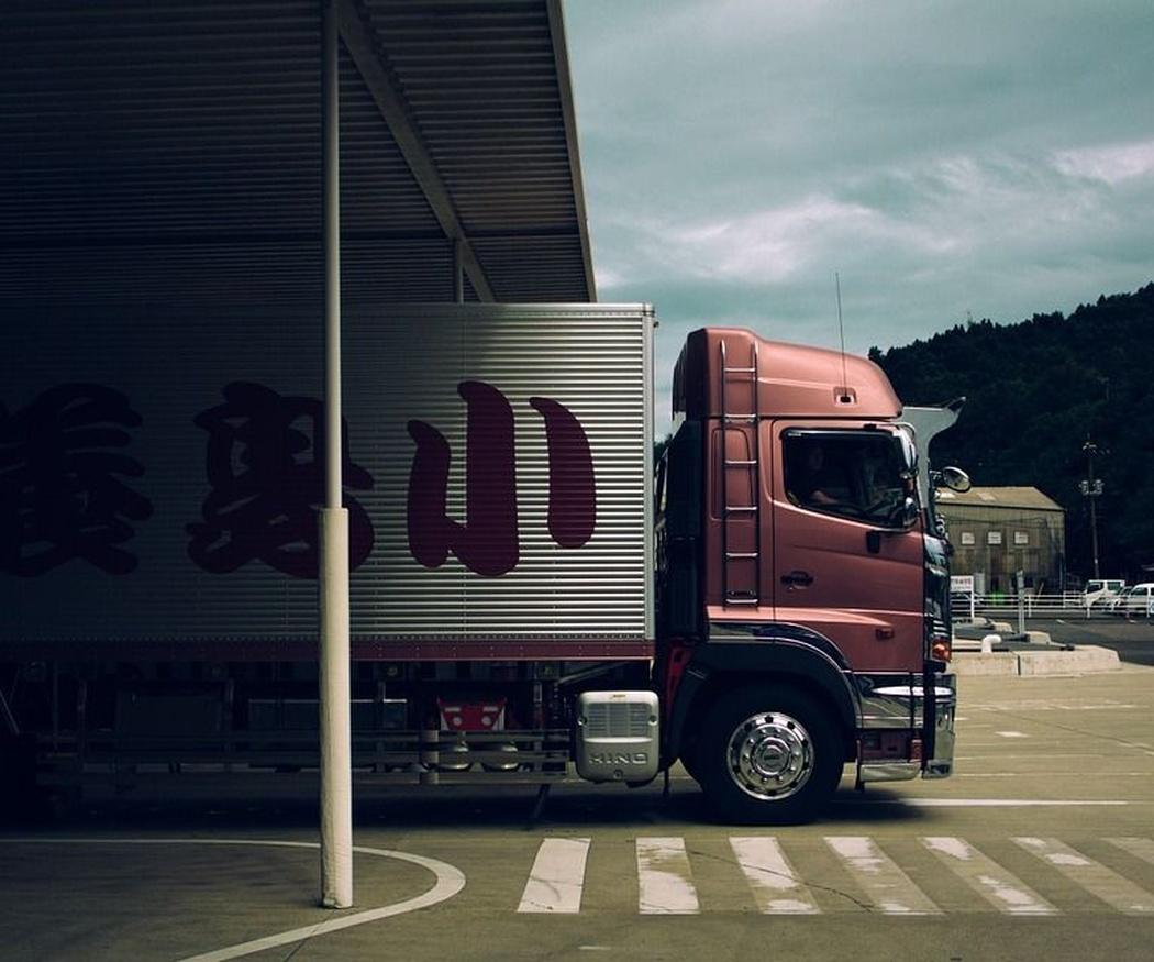 Ocho ventajas de los amortiguadores de gas para camiones