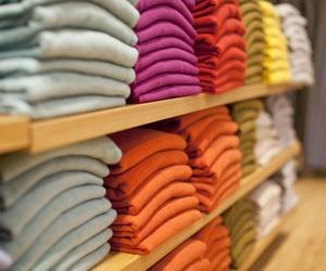 Compra de stocks de tiendas de ropa