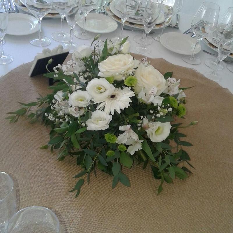 Decoración banquetes: Arreglos Florales de Flores Lis Arte Floral