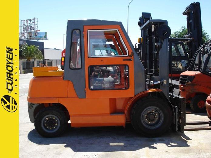 Carretilla diesel T.C.M. Nº 6114: Productos y servicios de Comercial Euroyen, S. L.