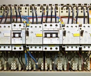 Instaladores autorizados en alta tensión