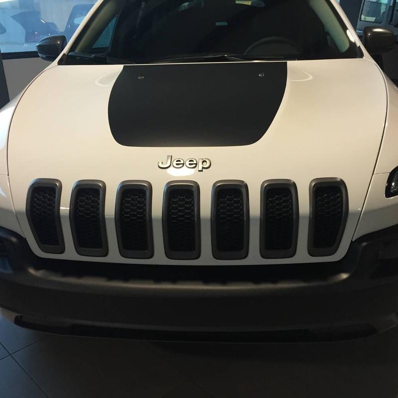 Jeep Cherokee 3.2: Servicios de Comercial Víctor