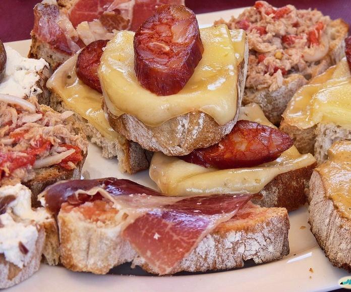 Tostas: Tapas y comida casera de Mesón Los Soportales