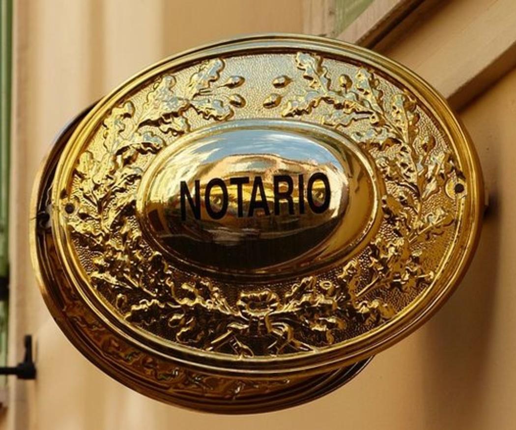 La importancia de acudir a un buen notario