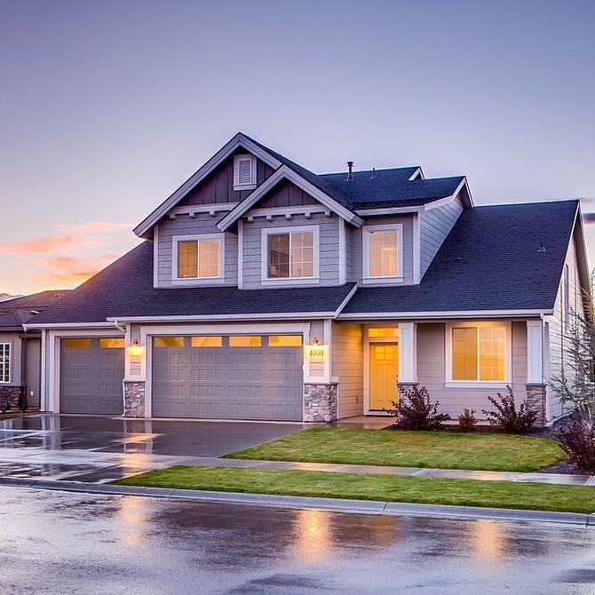 Motivos para instalar puertas automáticas en el garaje de tu casa o negocio