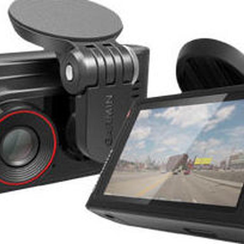 Cámara de grabación durante la conducción con receptor GPS Garmin Dash 35