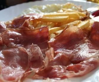 Venta y degustación de jamones, embutidos, queso y vino: Servicios de Remaes Gastrojamón