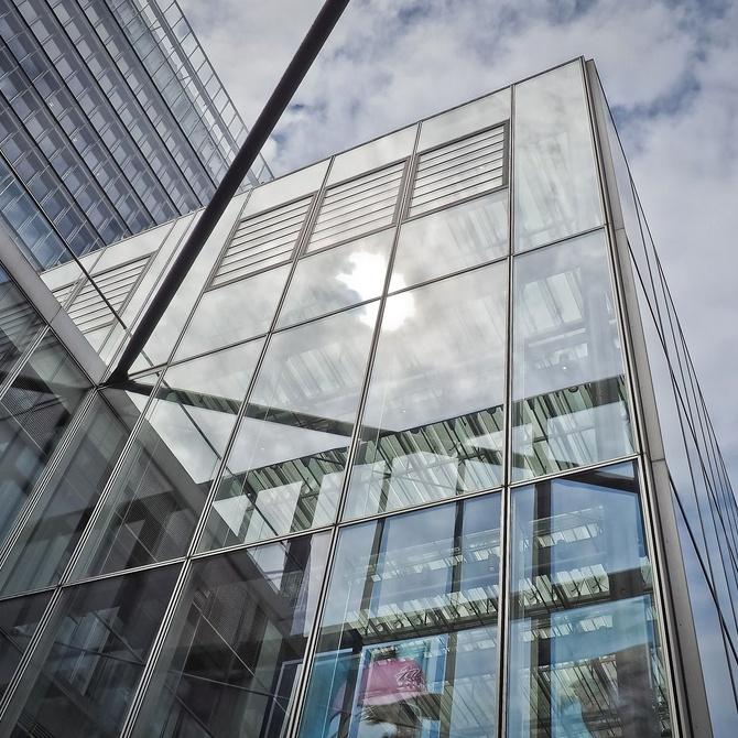 ¿En qué consiste la rotura de puente térmico en las ventanas de aluminio?