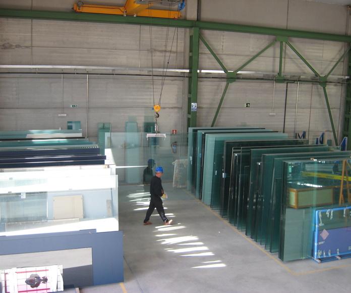 Y contamos con talleres propios de vidrio en Madrid: Productos  de Cristalera Madrileña