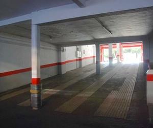 Rampas de entrada y salida del aparcamiento