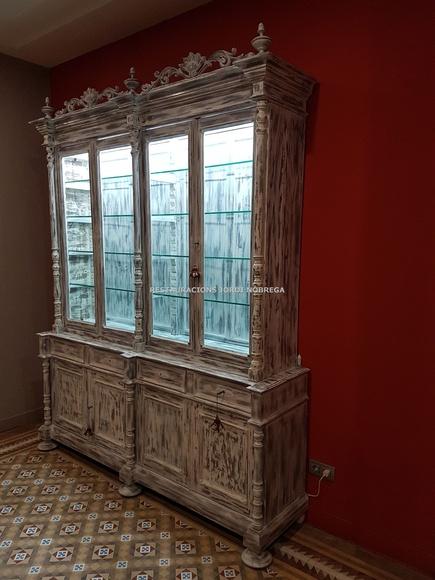 Restauración muebles Barcelona. Restauracións Jordi Nóbrega