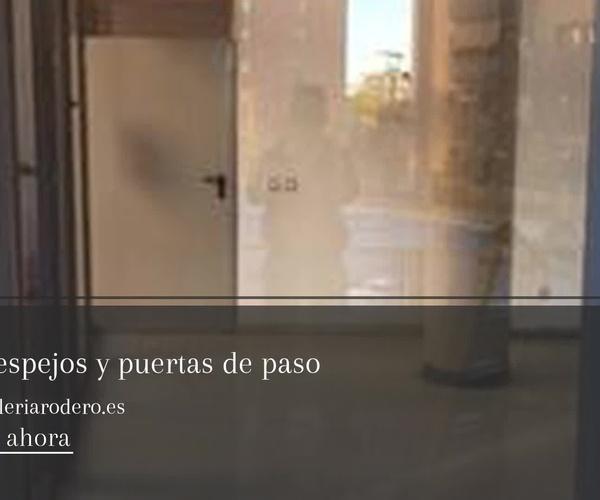 Instalación mampara de baño en Getafe: Cristalería Ropero